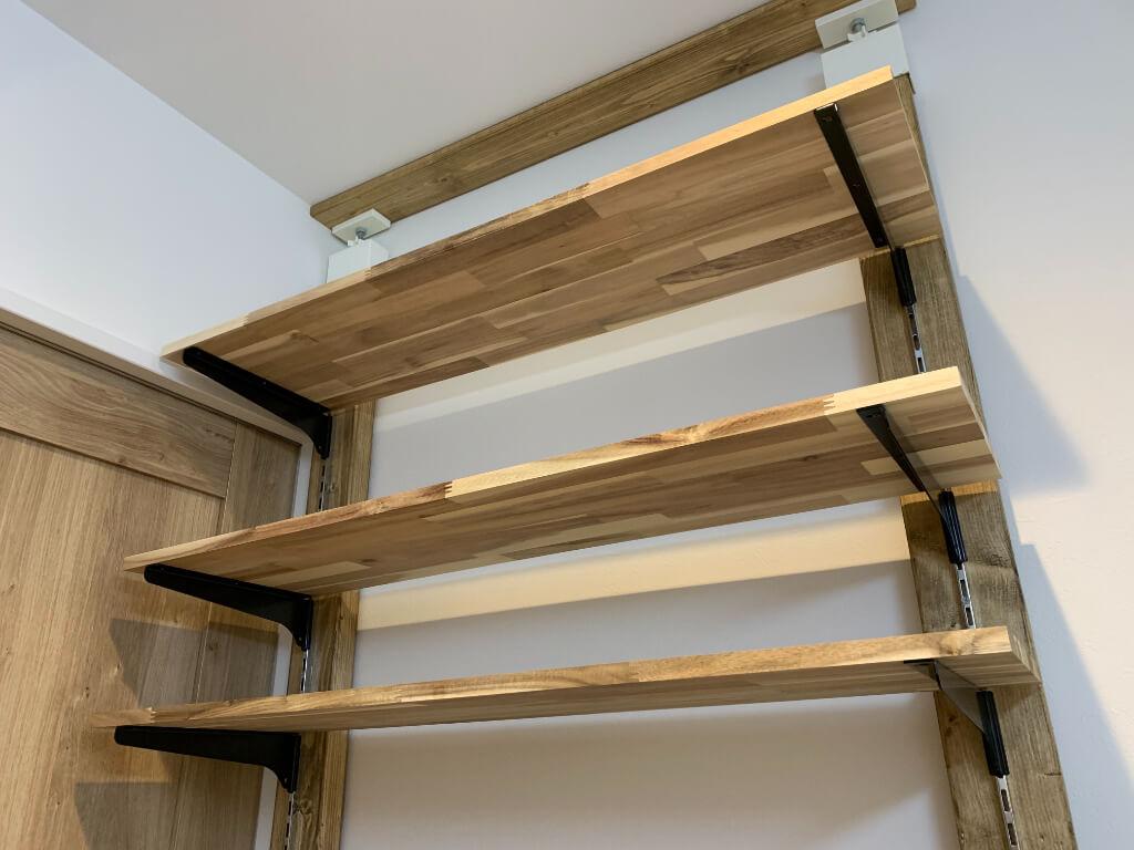 棚柱を使った可変式棚